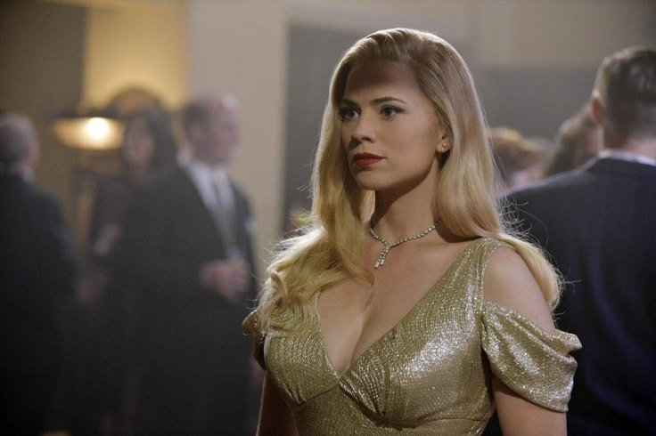 Agent Carter puts on a blond wig